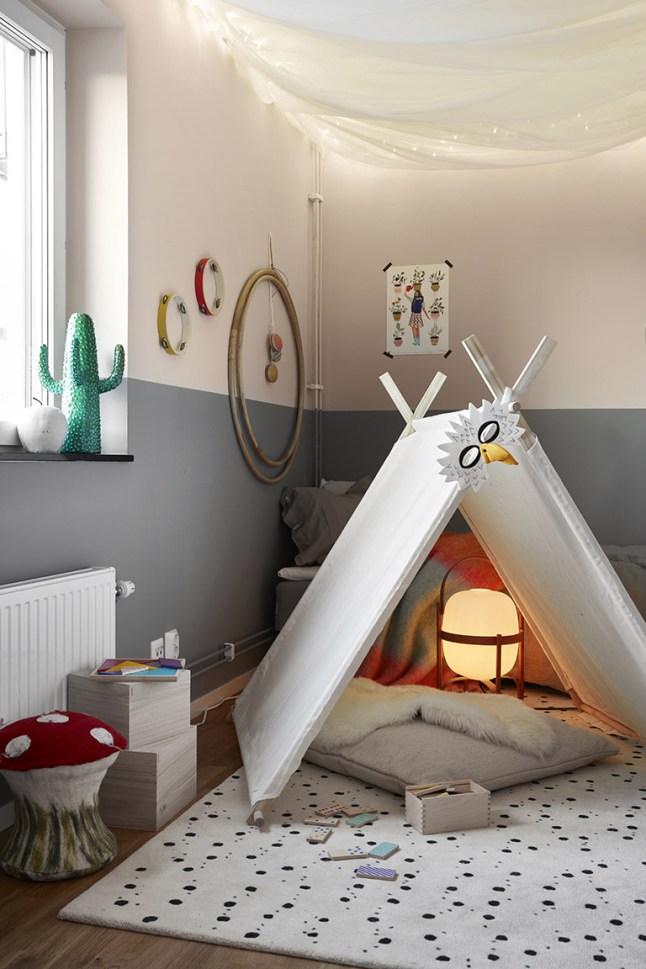 Chambre d 39 enfant avec un tipi for Tipi chambre enfant