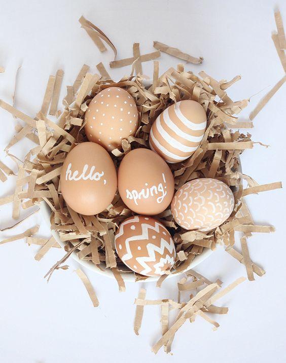 Décoration d'oeuf de Pâques naturelle