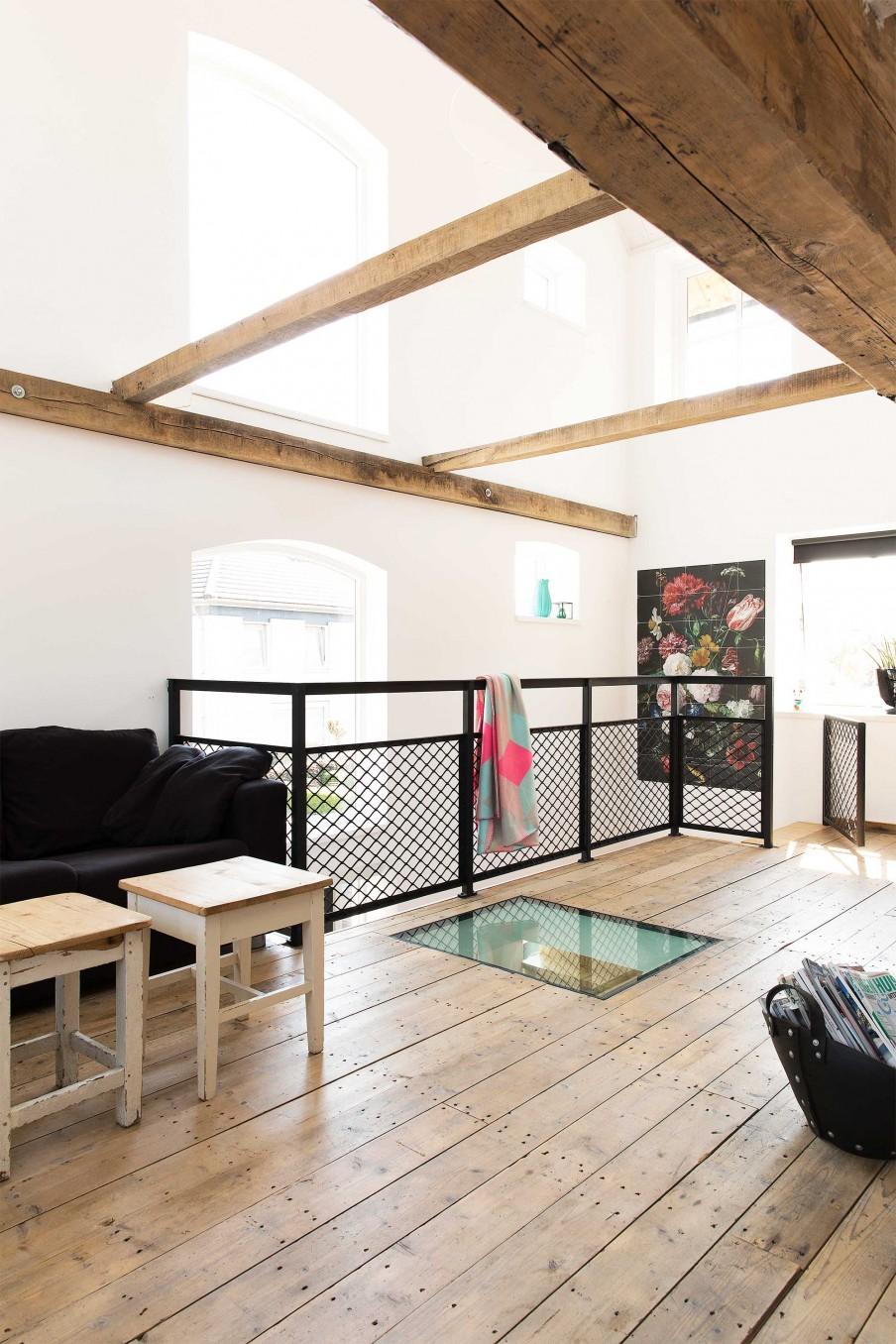 verriere atelier mezzanine parquet ancien garde corps grillage plafond vitre. Black Bedroom Furniture Sets. Home Design Ideas