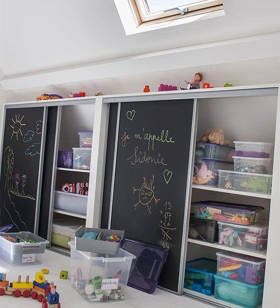 peinture-ardoise-chambre-enfant-porte-armoire-coulissantes-rangement-original