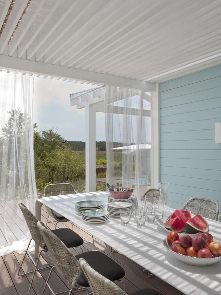 Terrasse couverte avec une pergola