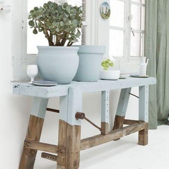 etabli-atelier-ancien-bois-bicolore-plantes-vegetaux-pot-email-blanc-interieur-monochrome