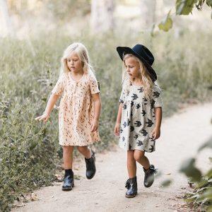 vetement enfant hiver 2017 robe boheme imprimes automne boots franges yellow flamingo. Black Bedroom Furniture Sets. Home Design Ideas