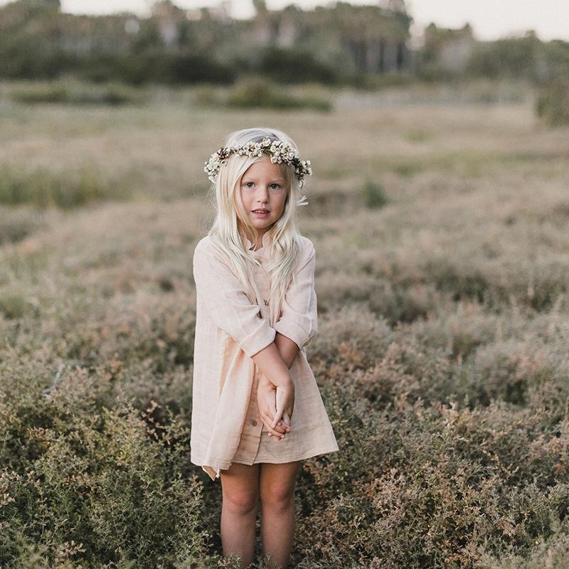 vetement-enfant-hiver-2017-robe-boheme-nude-boots-head-band-fleurs-yellow-flamingo