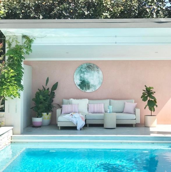 Aménagement exterieur avec une piscine