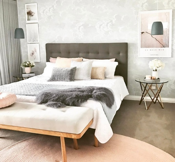 Déco de chambre en gris et rose