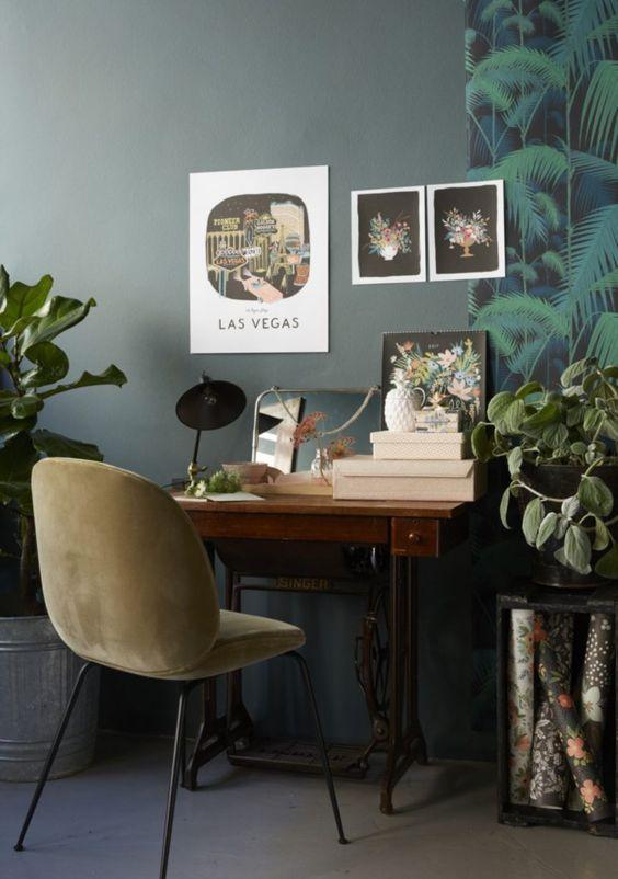 touches de vert fonc pour un int rieur l gant. Black Bedroom Furniture Sets. Home Design Ideas
